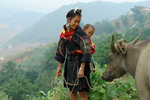 Black Hmong woman and buffalo, Sapa Vietnam | by NaPix -- (Time out)
