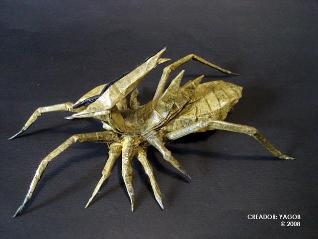 Alien Insect Refolded Cuadrado Figura