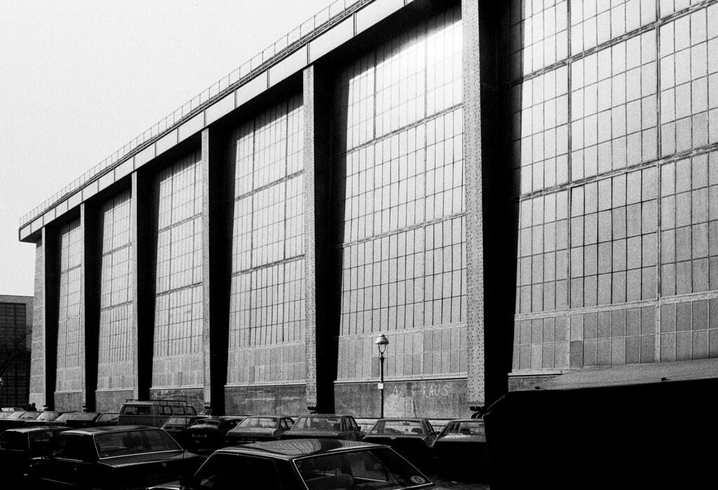 Berlin aeg turbine factory berlin 1908 peter behrens for Peter behrens aeg turbine factory