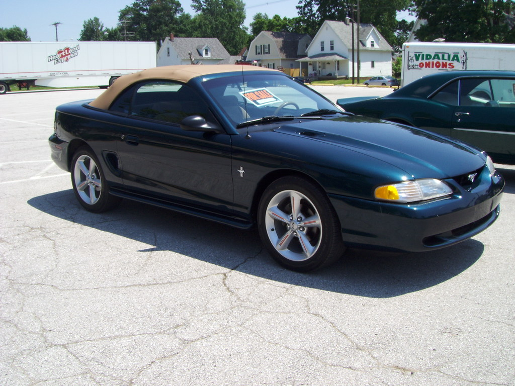 1994 99 ford mustang convertible seen for sale in. Black Bedroom Furniture Sets. Home Design Ideas