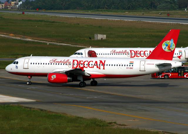 Simplifly Deccan A320 VT-DNZ