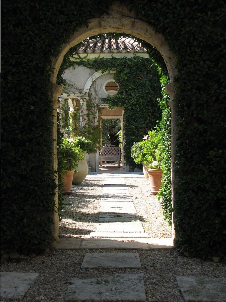 Le jardin proven aux de pierre berg par michel semini for Le jardin 3d