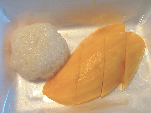 Sticky rice and mango at the airport | by chuvaness
