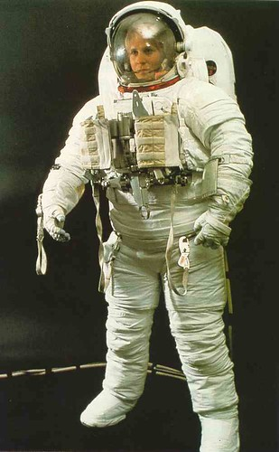 an astronaut in her space suit weighs 300 - photo #38