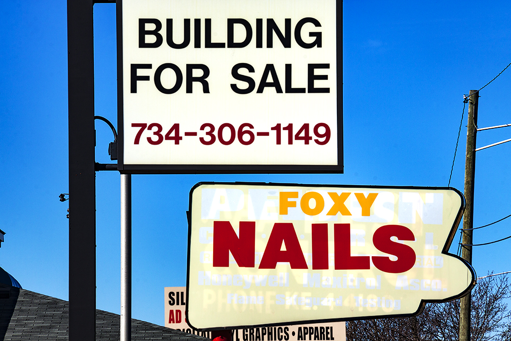 BUILDING FOR SALE FOXY NAILS--Redford