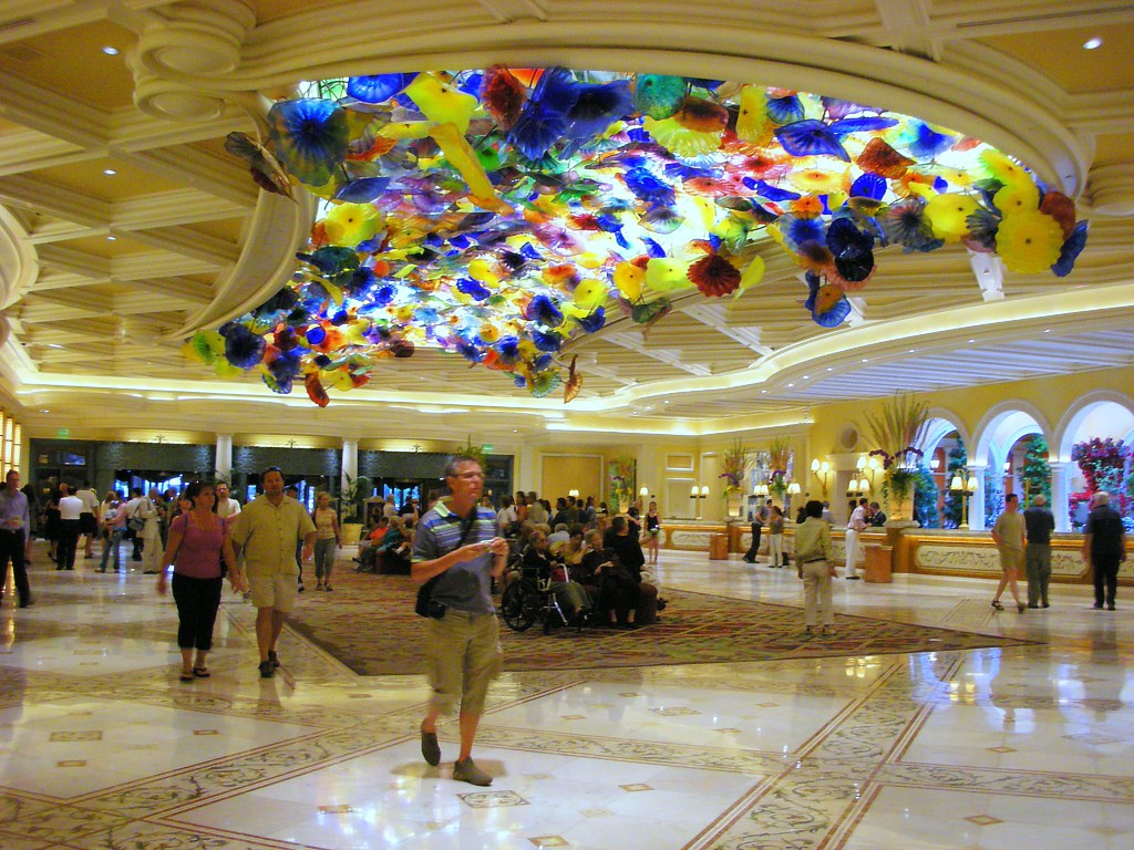Glass Flowers Adorn Lobby Ceiling Bellagio Las Vegas