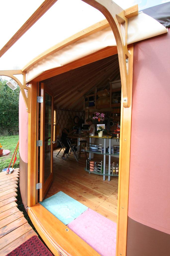 yourte d 39 habitation 033 yourte contemporaine de 68 m us flickr. Black Bedroom Furniture Sets. Home Design Ideas
