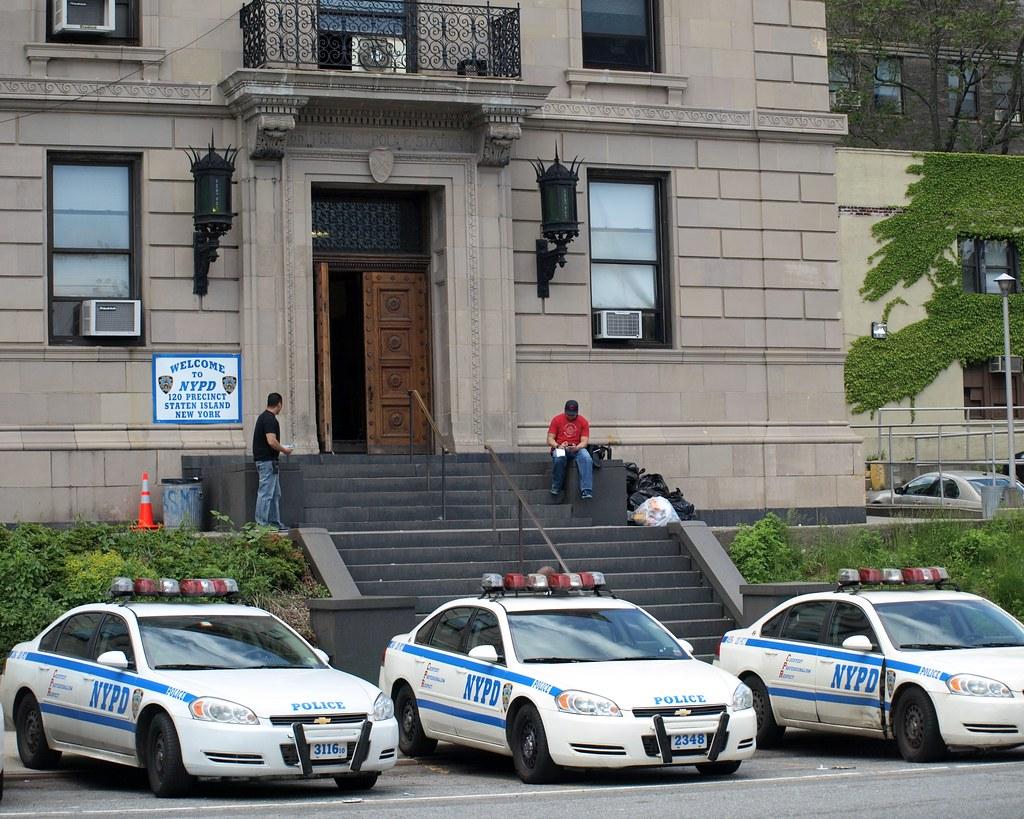 Staten Island Police Precinct