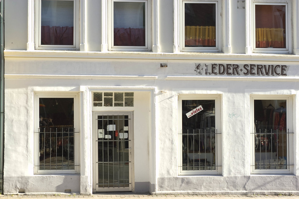 Leder-Service | A shop in Kiel, Knooper Weg. Just a test ...
