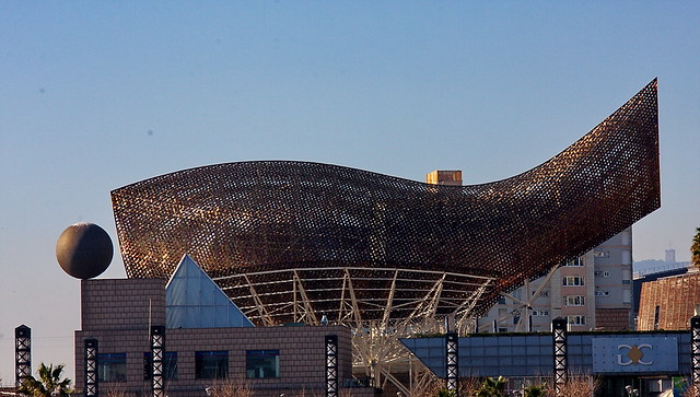 the frank gehry fish and the barcelona grand casino