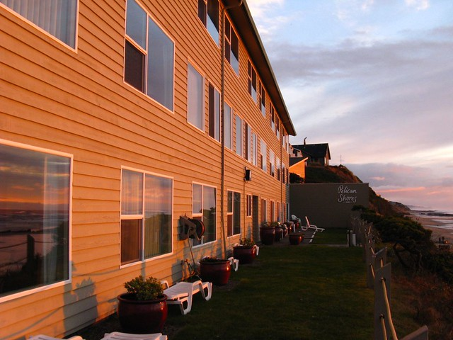 Oregon Coast Sunset Pelican Shores Inn Lincoln City