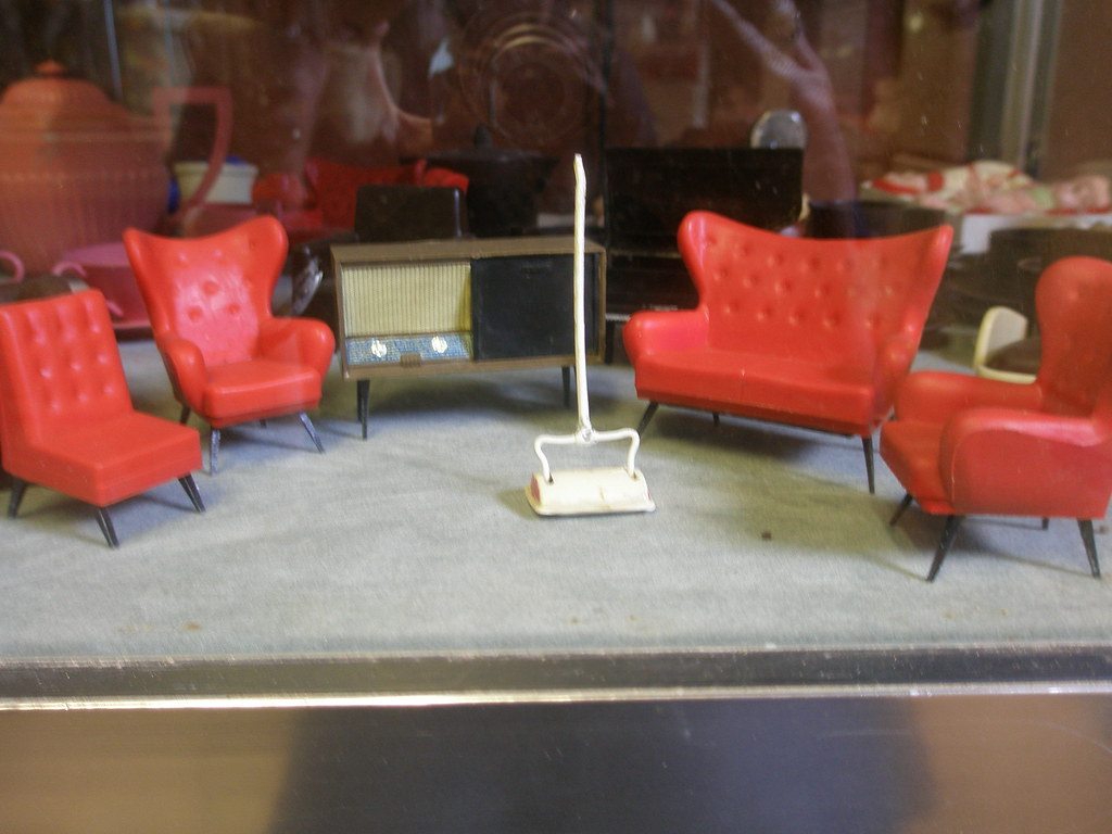 The bakelite museum bakelite doll 39 s house furniture for C furniture new lynn