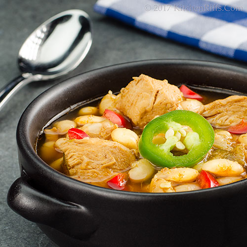 Chunky Chicken Chili with Green Chilies