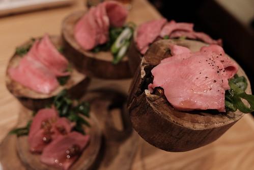 肉刺し 5種 タン,ハラミ,ミスジ,特上カルビ,ハツ 津田沼 焼肉寿司 05