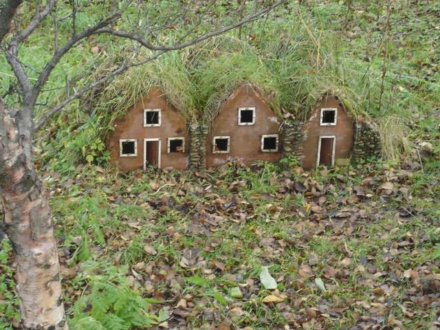 Little elf houses | Anna Rafferty | Flickr