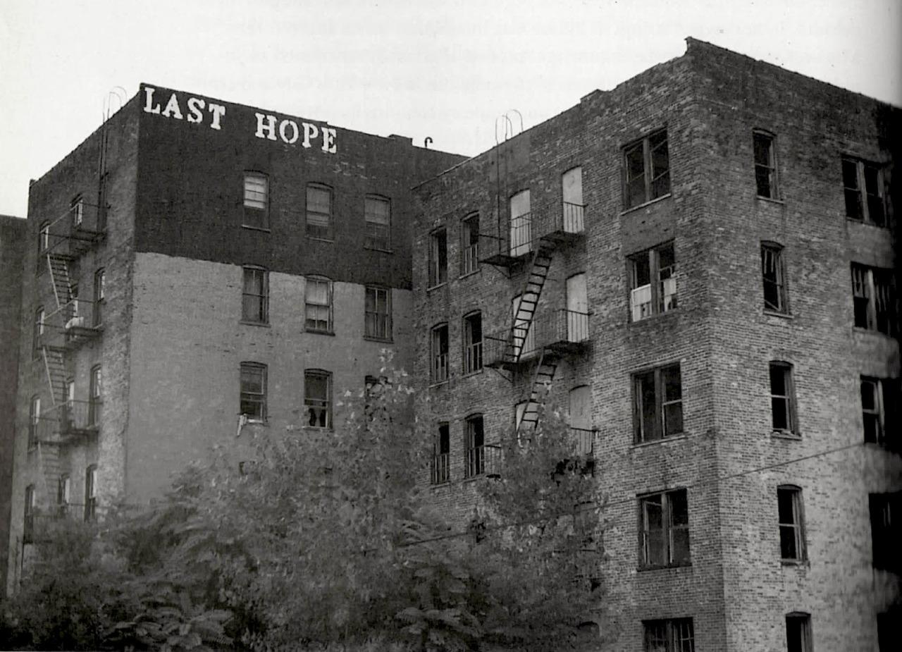 John Fekner, New York City, 1975.