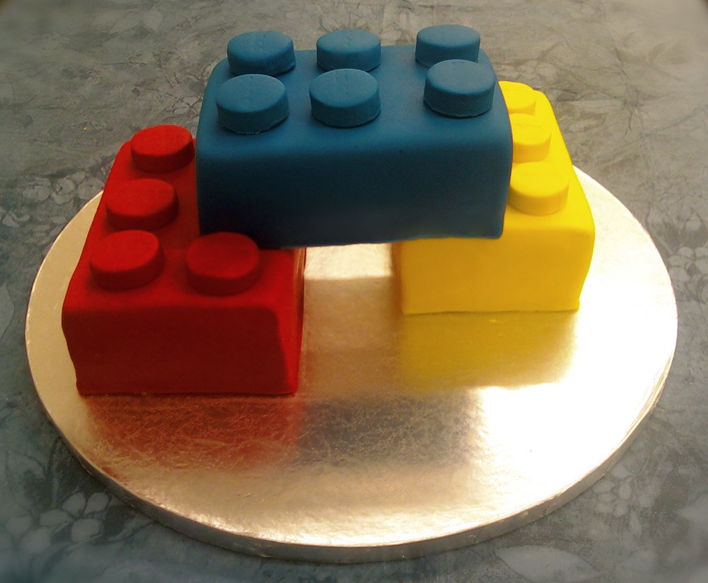 Lego Cake Another angle of the Lego cake The Cakerator ...