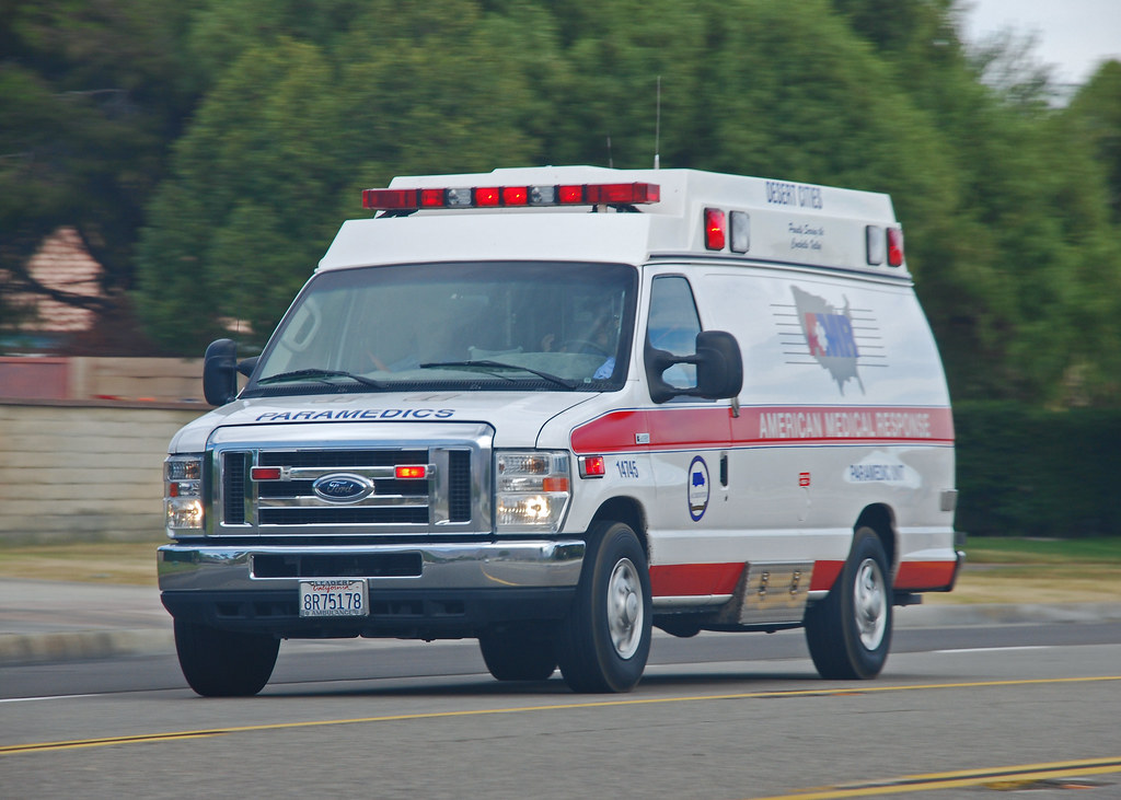 Palm Springs Ford >> AMR Ambulance | Ford ambulance responding to an emergency in… | Flickr
