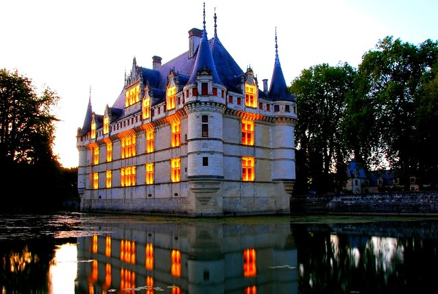 nightview of ch 226 teau d azay le rideau castle of azay le r flickr