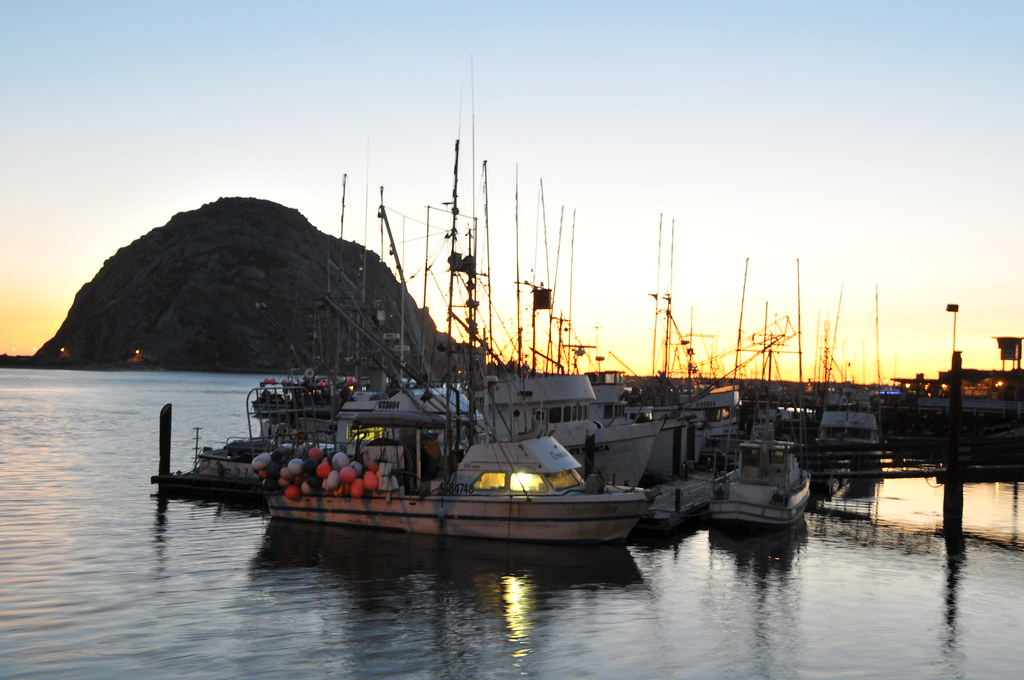 Morro bay sunset morro bay fishing fleet at sunset for Morro bay fishing
