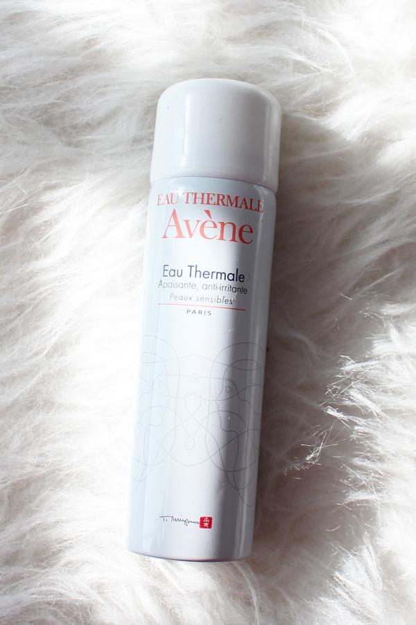 3_beach_bag_essentials_thermal_water_spray
