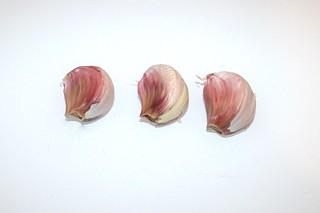 03 - Zutat Knoblauchzehen / Ingredient garlic cloves
