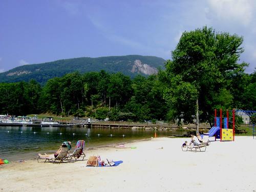 resort type lake resorts north carolina