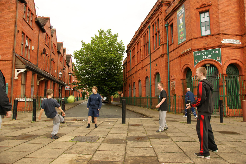 salford girls Find us guiding in greater manchester west is divided into 8 areas which we call divisions the names of these divisions are based  salford (broughton, irlam o.