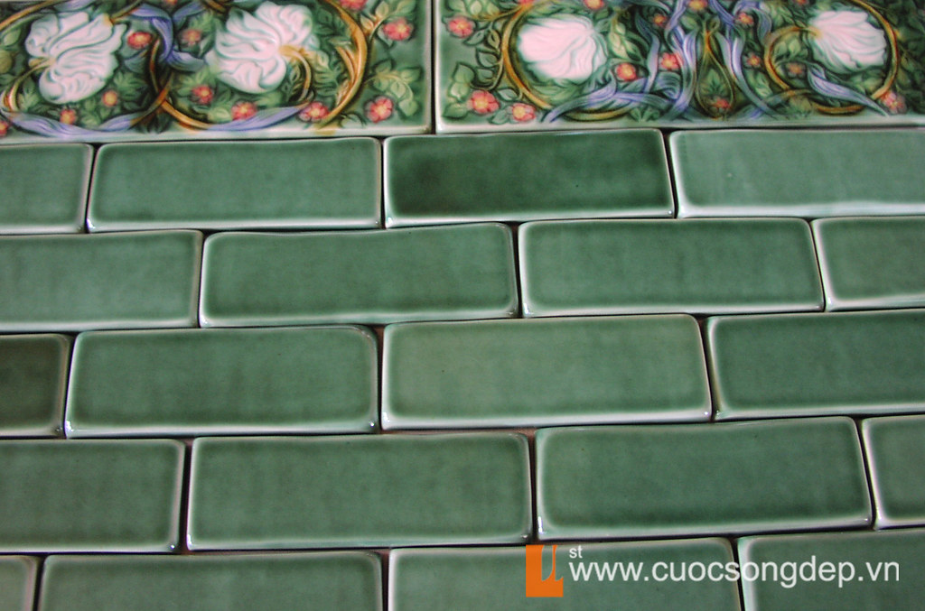Dark Green Subway tile 2x6 with pimpernel border copy