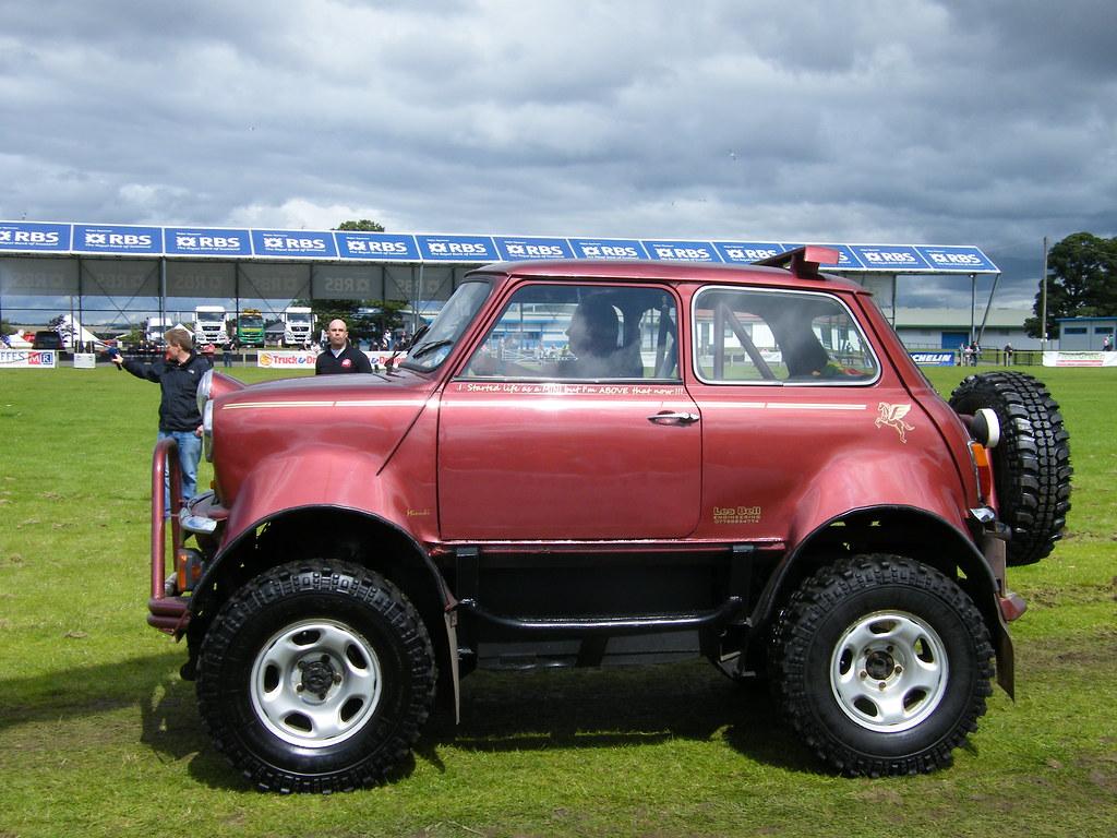 Mini Monster | A Mini monster truck based on a Suzuki SJ4 ...