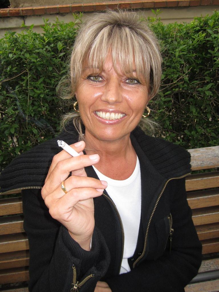Smoking Vera 9  Muryru2  Flickr-8373