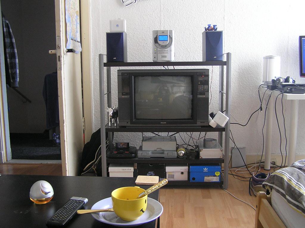 Tv In Kast : Tv kast tv kast apendansje flickr
