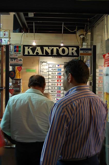 Oficina de cambio de moneda en cracovia all se cambia for Oficinas de cambio de moneda en barcelona