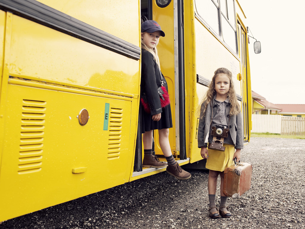 Kids travelling with suitecase