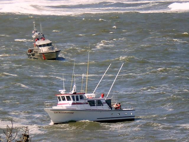 Depoe bay oregon coast guard helping charter fishing for Depoe bay fishing charters