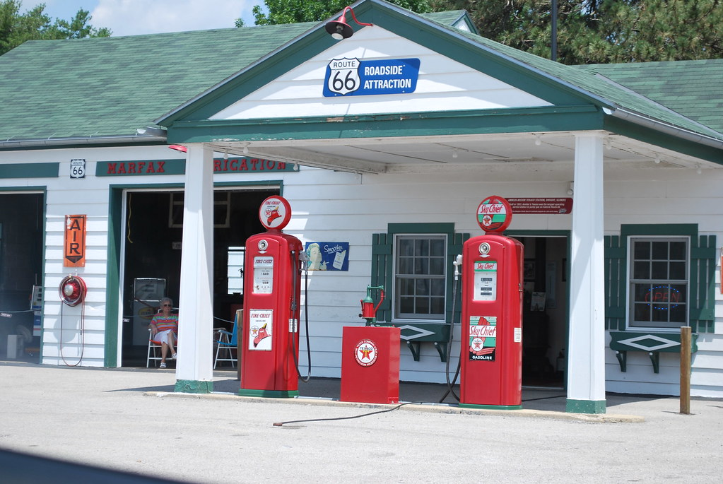Old gas station reconditioned nicely tydence davis flickr - Find nearest shell garage ...