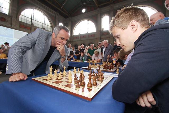 schach spielen gegen andere