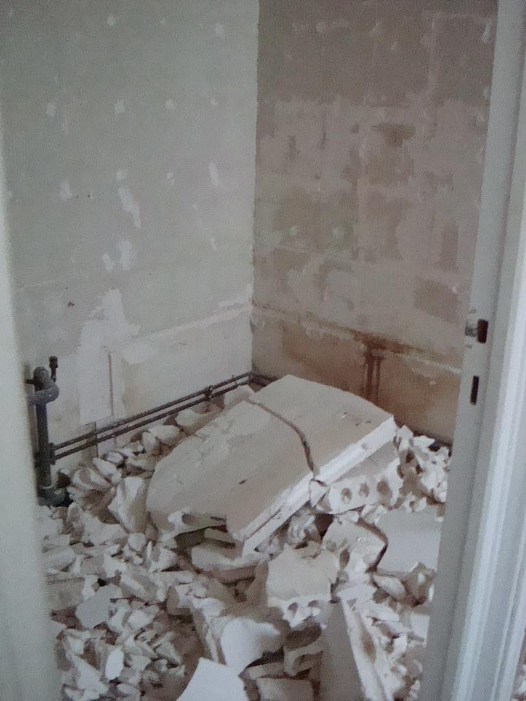 Salle De Bain Washroom ~ salle de bain bathroom demolition bridget_paris flickr