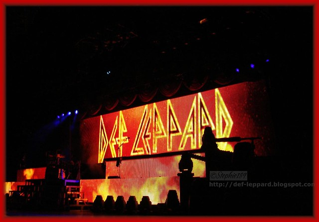 def leppard 2009 on tour with cheap trick and poison summ flickr. Black Bedroom Furniture Sets. Home Design Ideas