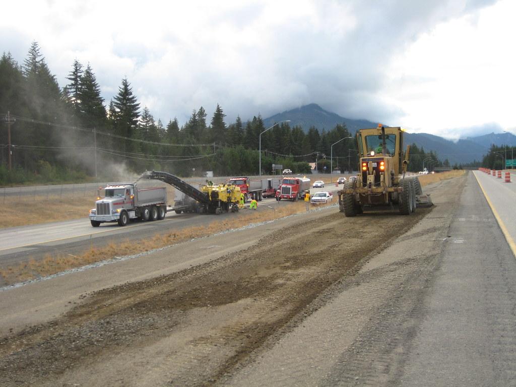 Construction on the I-90 Lake Easton to Bullfrog Road Proj ...