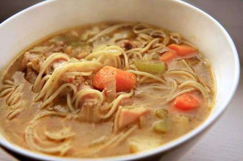 Sopa de Pollo con Fideos (Chicken Noodle Soup) Header | by The Noshery