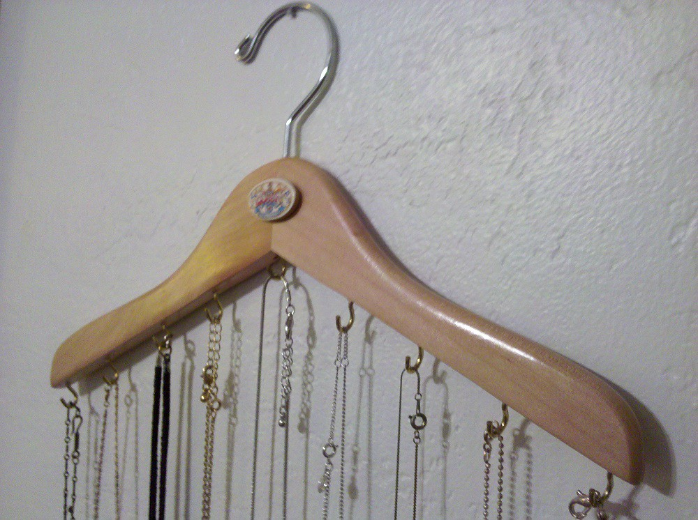 necklace hanger i actually made something i saw on