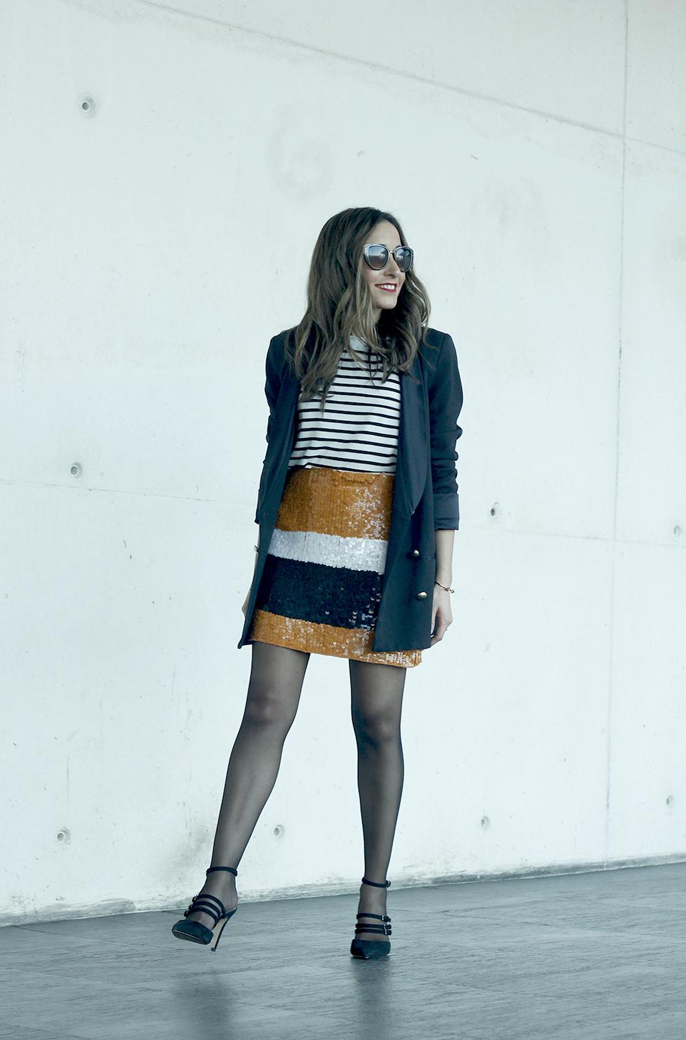 Striped T-Shirt Sequin skirt black blazer madrid fashion week street style fashion outfit04.jpg08
