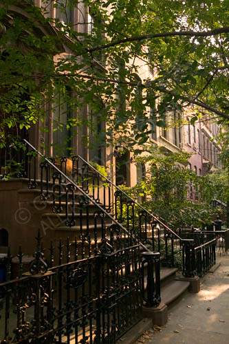 Brownstone greenwich village nyc brownstones and a for Appartamenti greenwich village new york