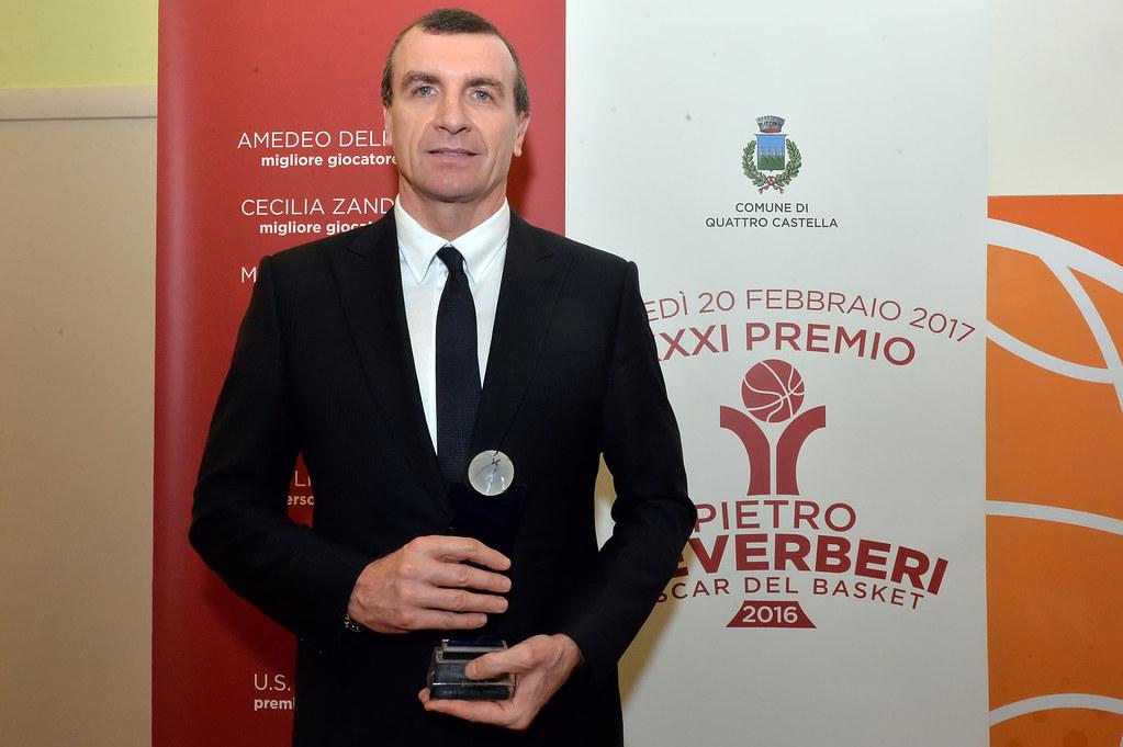 """Livio Proli premiato con il """"Reverberi-Oscar del Basket"""""""