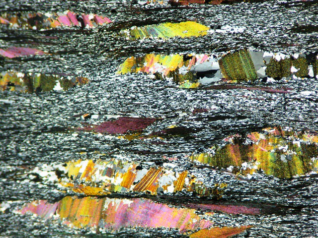 Garnet Phyllite XPL | Thin section from Microscopy class ...