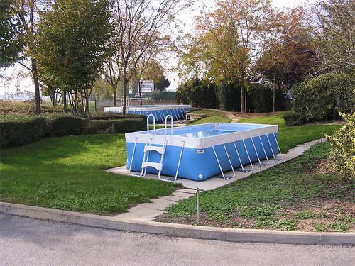Piscina laghetto smile kit piscina completo di for Pulizia fondo laghetto
