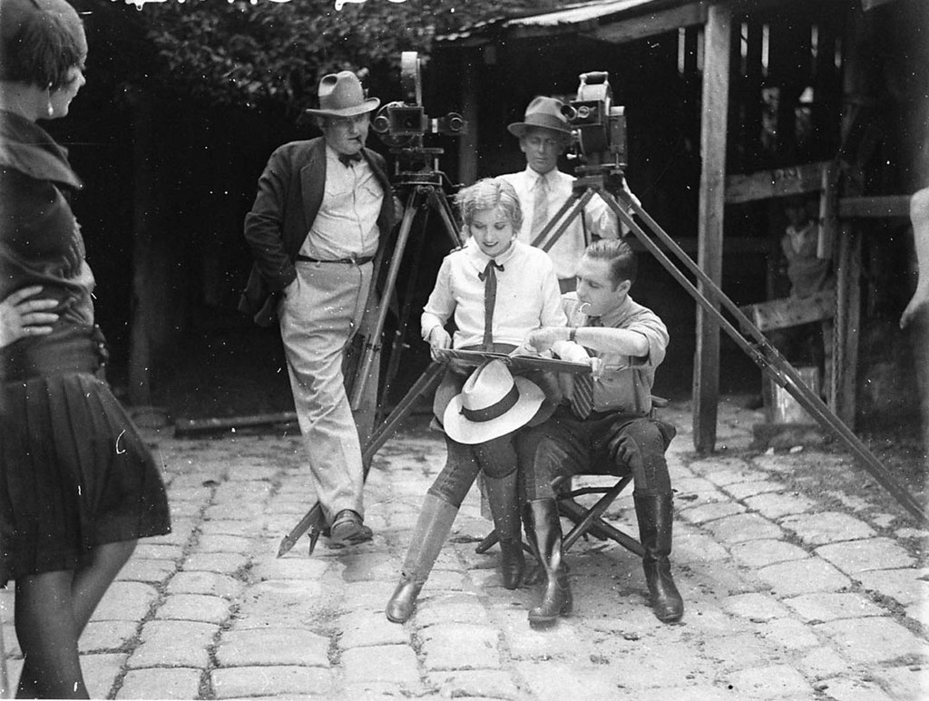 Hollywood Director William Reed Directs His Wife Eva Novak Flickr Street Romance In The Australian Movie