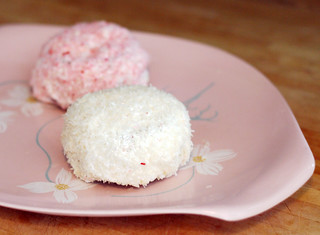 homemade hostess sno-balls | by rachel is coconut&lime