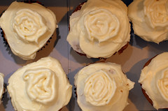 pumpkin spice cupcakes with maple cinnamon frosting | by sassyradish